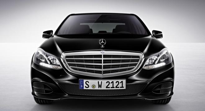 So sanh Mercedes E-Class cu va moi hinh anh 3