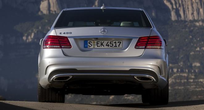 So sanh Mercedes E-Class cu va moi hinh anh 7