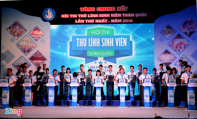 Dao Viet Bach tro thanh 'Thu linh sinh vien toan quoc' hinh anh 3