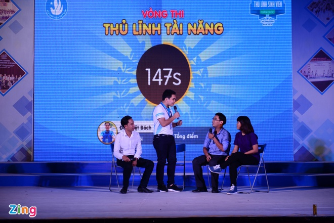 Dao Viet Bach tro thanh 'Thu linh sinh vien toan quoc' hinh anh 4