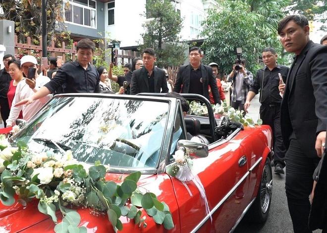 Hon 20 ve si ho tong xe hoa cua Ong Cao Thang - Dong Nhi hinh anh