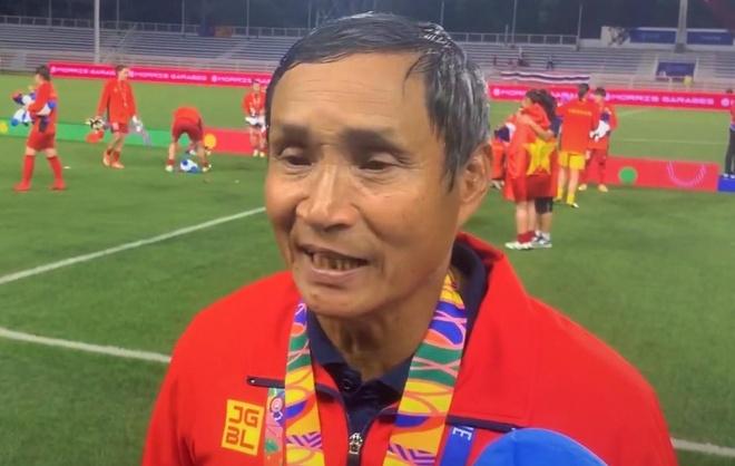 HLV Mai Duc Chung: 'Neu duoc o lai, toi se di co vu HLV Park' hinh anh