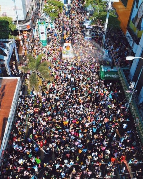 Tet co truyen Songkran: Le hoi truyen thong 'hoang dai' nhat Thai Lan hinh anh 4