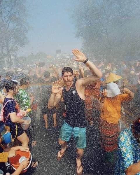 Tet co truyen Songkran: Le hoi truyen thong 'hoang dai' nhat Thai Lan hinh anh 2