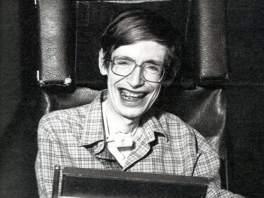 10 cau noi truyen cam hung cho biet bao the he cua Stephen Hawking hinh anh