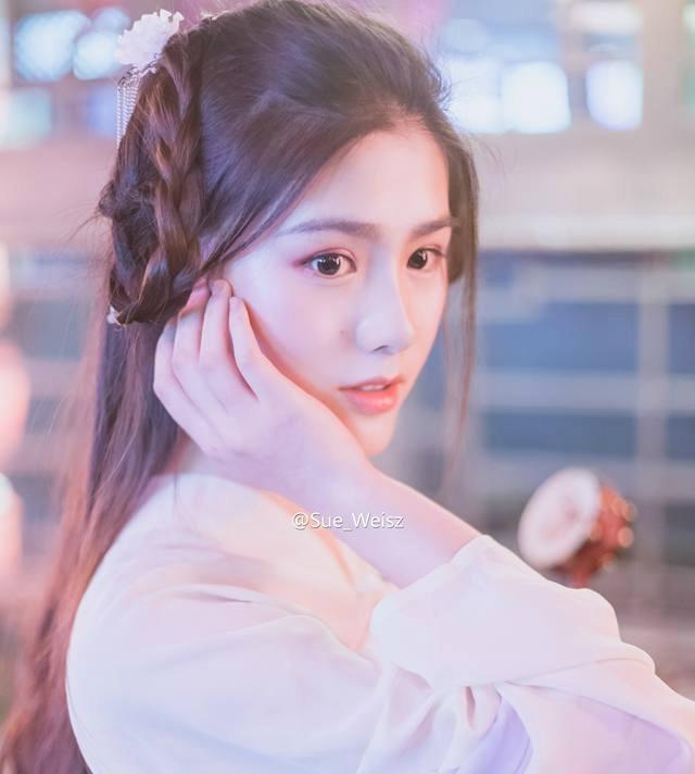 'Hot girl tra sua' 18 tuoi moi noi tai Trung Quoc hinh anh 5