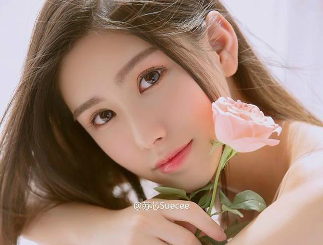 'Hot girl tra sua' 18 tuoi moi noi tai Trung Quoc hinh anh 2