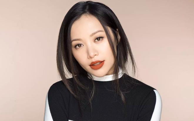 Michelle Phan bi tram cam, xin loi fan khi bo dung mang xa hoi hinh anh