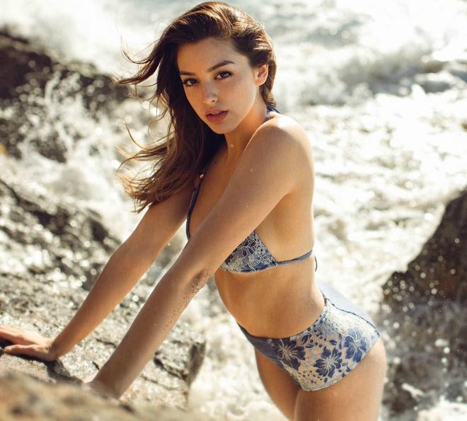 Hot girl Celine Farach toi Viet Nam anh 4