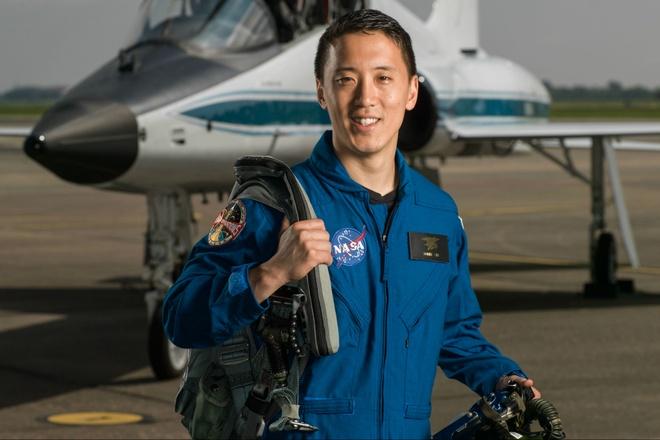 Hai nguoi goc A trung tuyen lop phi hanh gia nam 2017 cua NASA hinh anh 1