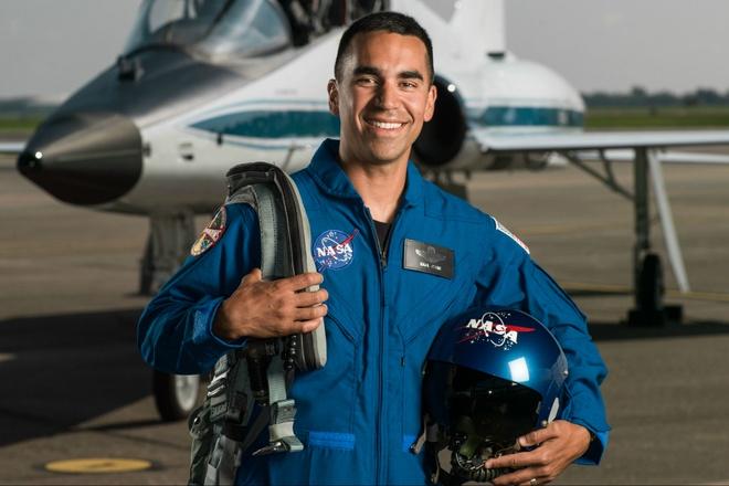 Hai nguoi goc A trung tuyen lop phi hanh gia nam 2017 cua NASA hinh anh 2