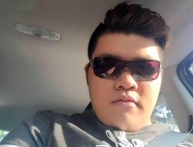 Chang trai cho 7 tieng de gap bang duoc chu xe do chan cong nha hinh anh 3