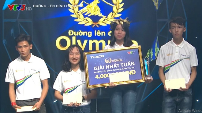 Nu 10X chien thang cuoc thi tuan 'Duong len dinh Olympia' hinh anh 1