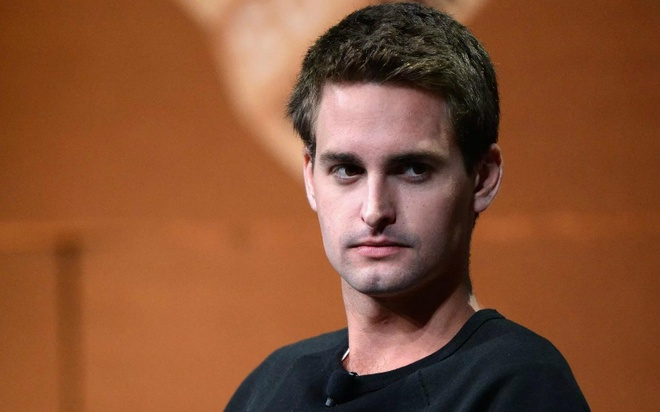 Ty phu tre Evan Spiegel gioi thieu ung dung Snapchat hinh anh