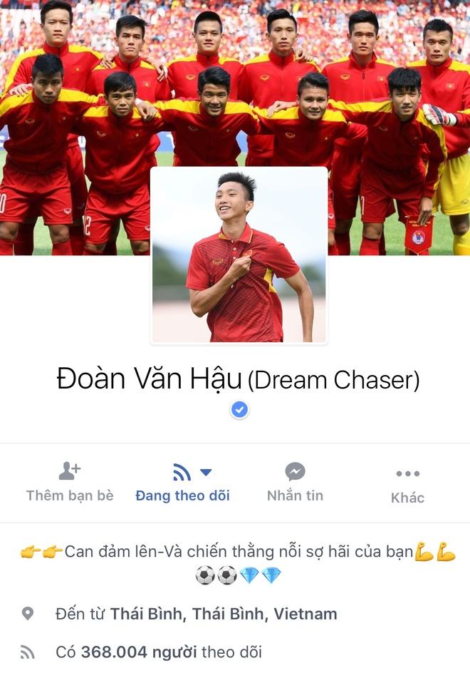 Facebook cau thu U23 tang chong mat, Tien Dung dat 2,5 trieu follow hinh anh 12