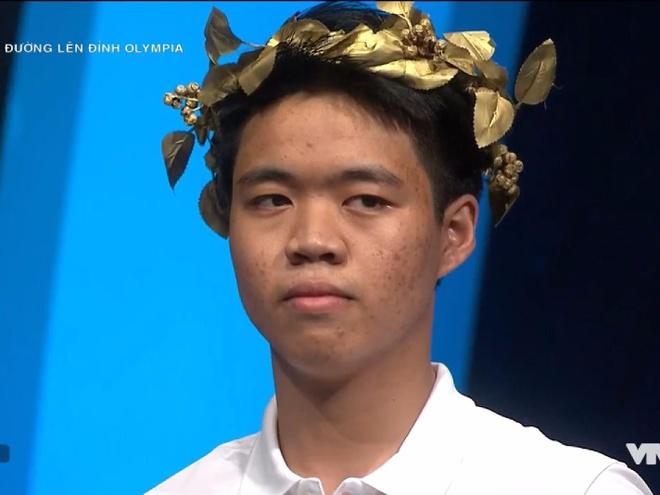 Nam sinh khong co doi thu ve diem so tai Duong len dinh Olympia hinh anh