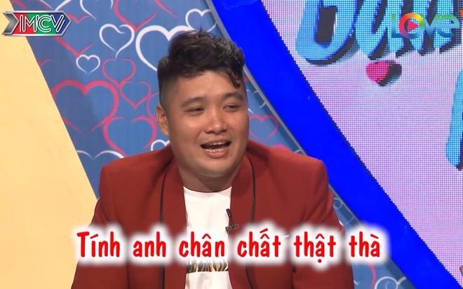 Chang trai doc tho gioi thieu minh 'to lon, dam da, phi nhieu' hinh anh
