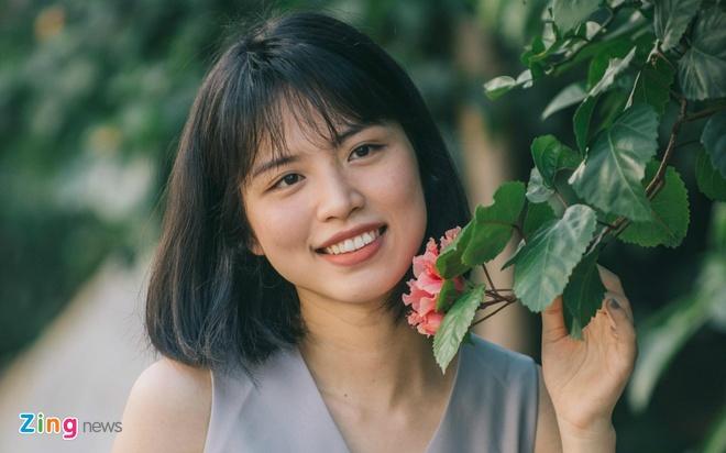 Em ho Huong Giang Idol biet 3 ngoai ngu hinh anh