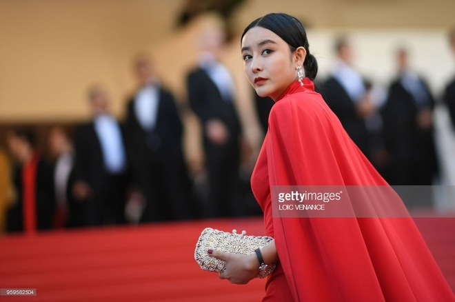 Hot girl Trung Quoc bi bao chi quoc te nham la Pham Bang Bang hinh anh 2