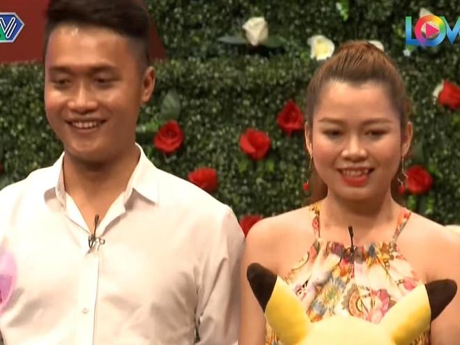 Chang trai tim ban gai 'day du bo phan tren co the' o Ban muon hen ho hinh anh