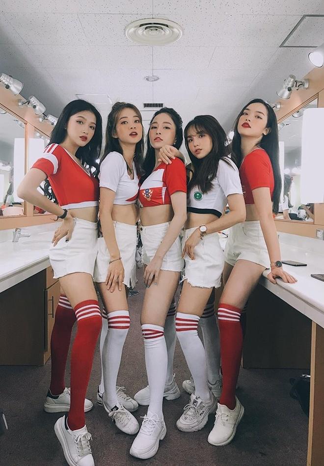 Can canh nhan sac dan hot girl Viet co vu World Cup 2018 hinh anh 3
