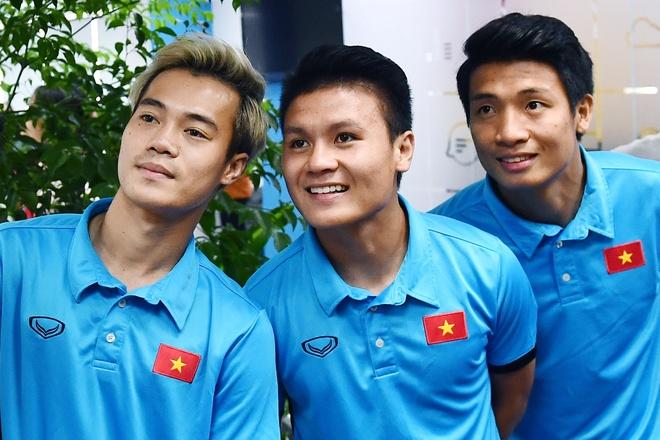 Bui Tien Dung so cho, Van Toan nhan khong chung thuy bang Quang Hai hinh anh