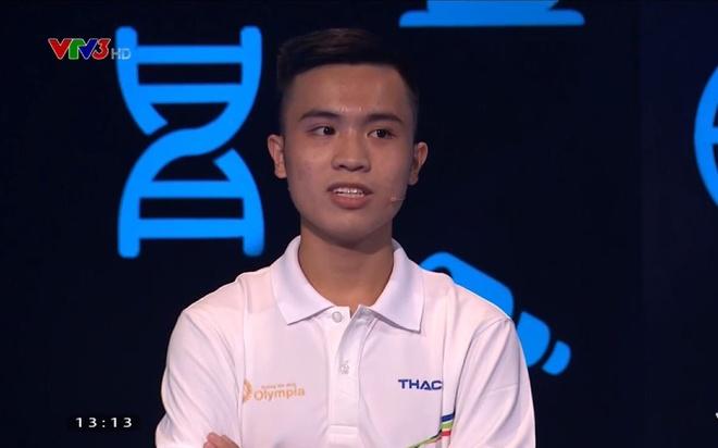 Can Thai Hoang tra loi dung 6/12 cau hoi Khoi dong hinh anh