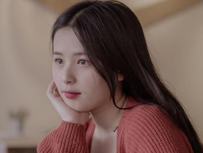 Hot girl Thao Nari lan dau tiet lo ve moi tinh voi cau thu U23 hinh anh