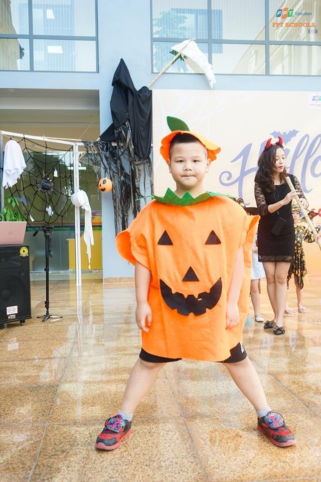 Hoc sinh truong FPT cosplay ma quy, sieu nhan ngay Halloween hinh anh 15