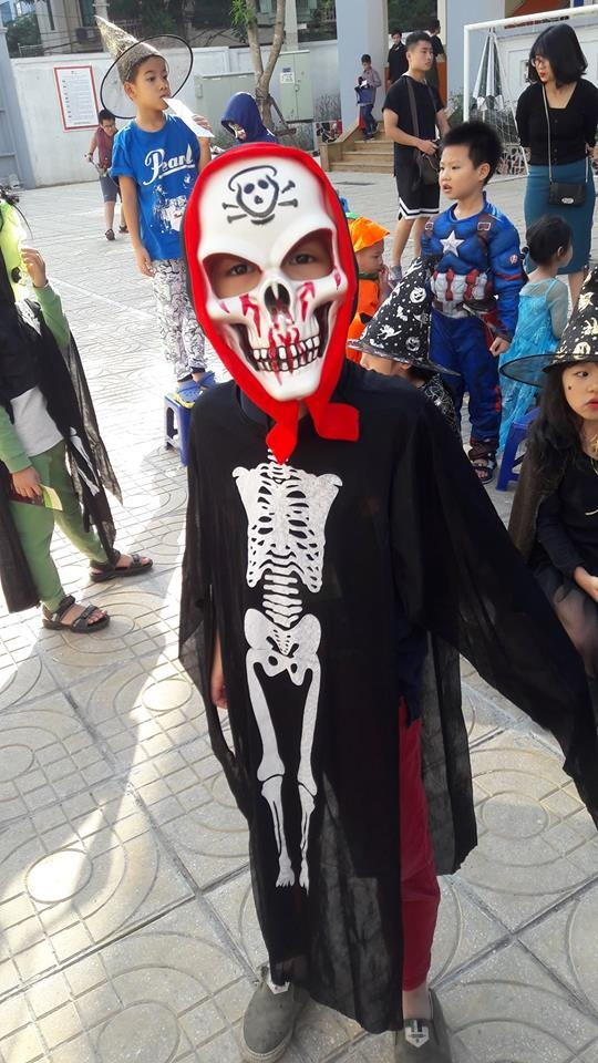Hoc sinh truong FPT cosplay ma quy, sieu nhan ngay Halloween hinh anh 16