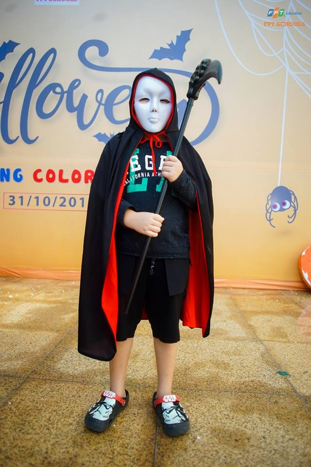 Hoc sinh truong FPT cosplay ma quy, sieu nhan ngay Halloween hinh anh 18
