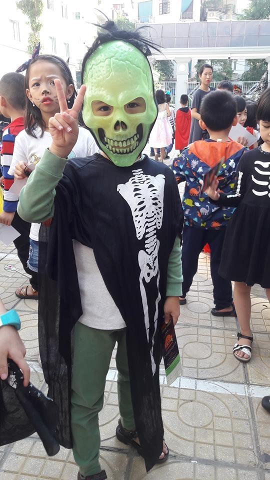Hoc sinh truong FPT cosplay ma quy, sieu nhan ngay Halloween hinh anh 13