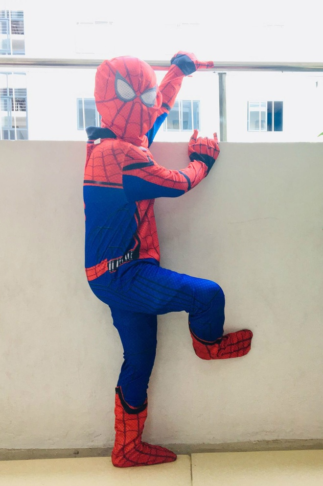 Hoc sinh truong FPT cosplay ma quy, sieu nhan ngay Halloween hinh anh 4