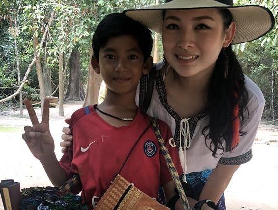 Cau be ban rong Campuchia 'gay bao' mang voi kha nang noi 10 thu tieng hinh anh