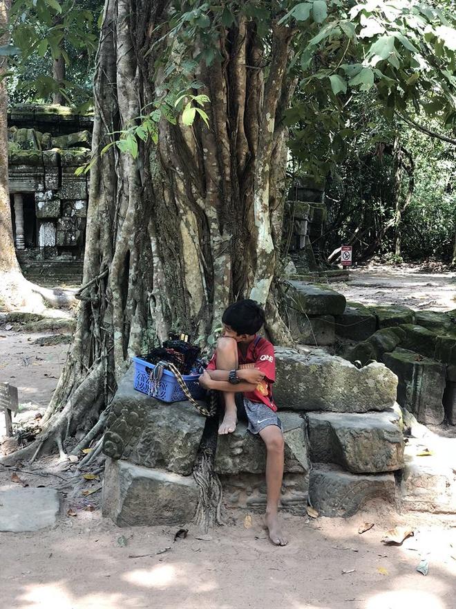 cau be ban rong Campuchia noi 10 ngon ngu anh 2