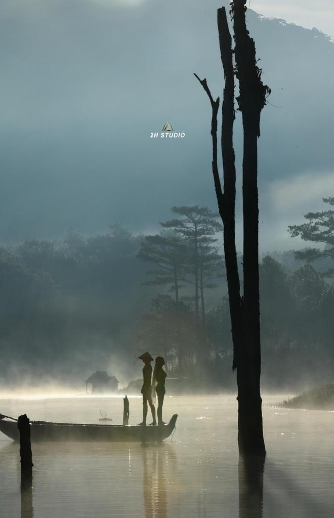 Doi nam nu chup nude o ho Tuyen Lam noi gi khi bi 'nem da' tren mang hinh anh 2  Chụp nude ở hồ Tuyền Lâm nhân vật chính nói gì khi bị 'ném đá' trên mạng