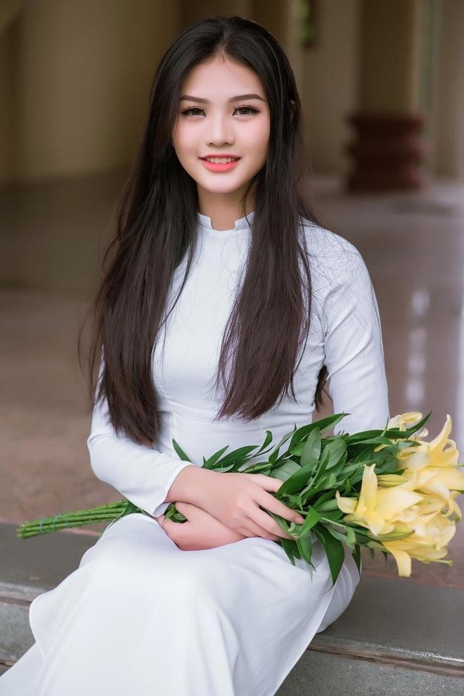 10X Dong Nai cao 1,72 m, biet 2 ngoai ngu, tung tham gia Miss Teen hinh anh 5