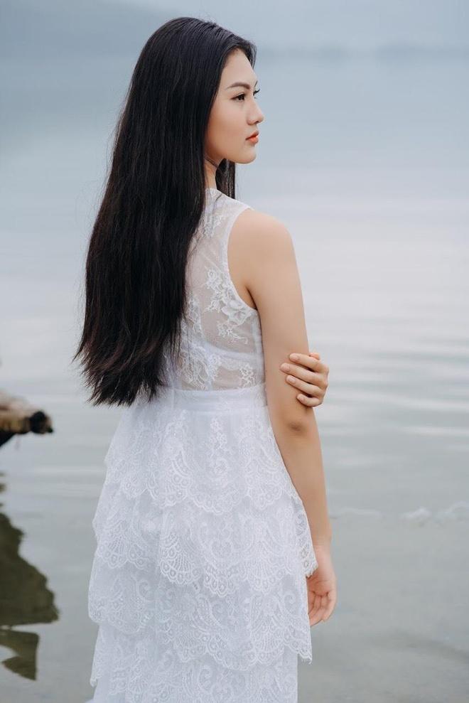 10X Dong Nai cao 1,72 m, biet 2 ngoai ngu, tung tham gia Miss Teen hinh anh 3