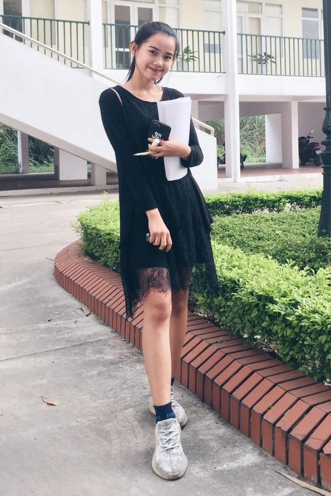 10X du hoc sinh Lao: 'Nam lun' xinh dep, biet 5 thu tieng hinh anh 14