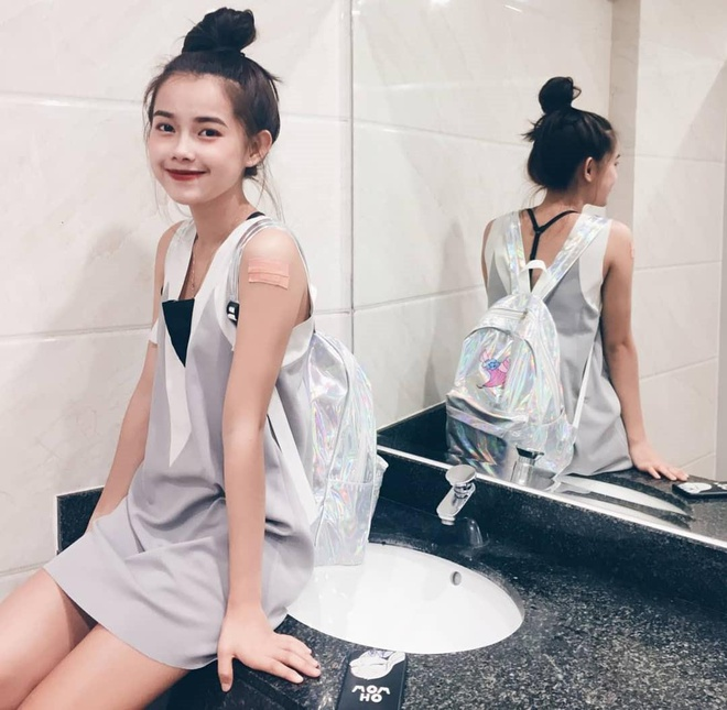 10X du hoc sinh Lao: 'Nam lun' xinh dep, biet 5 thu tieng hinh anh 9