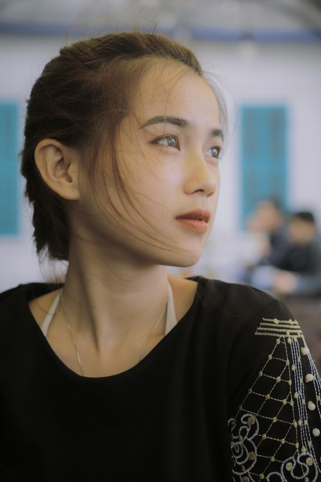 10X du hoc sinh Lao: 'Nam lun' xinh dep, biet 5 thu tieng hinh anh 7