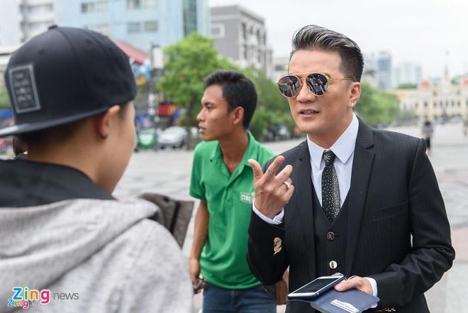 'Dam Vinh Hung kech com khi tu cho minh la vung dat cam' hinh anh 1