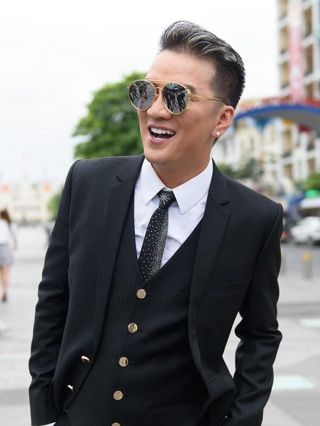 'Dam Vinh Hung kech com khi tu cho minh la vung dat cam' hinh anh 2