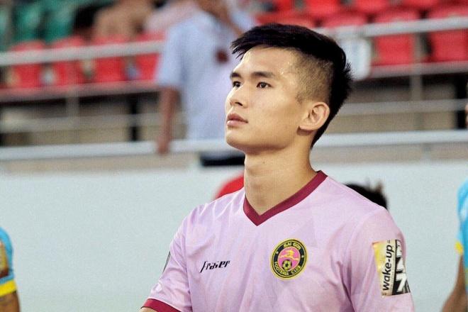 Hoi fan girl lai phat hien Sai Gon FC toan cau thu 'cuc pham' hinh anh 6