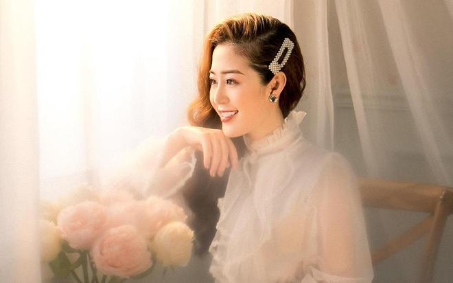 'Hot girl thoi tiet' Quang Ninh lan dau dong MV hinh anh