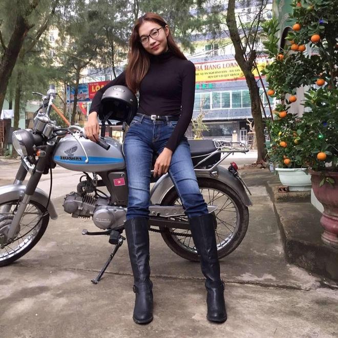 A hau Hoang Thuy chia se hinh em gai xinh dep, goi cam khong kem chi hinh anh 8