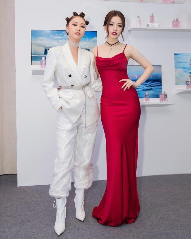 Quynh Anh Shyn va Chi Pu - doi ban than sexy trong lang hot girl Viet hinh anh 5