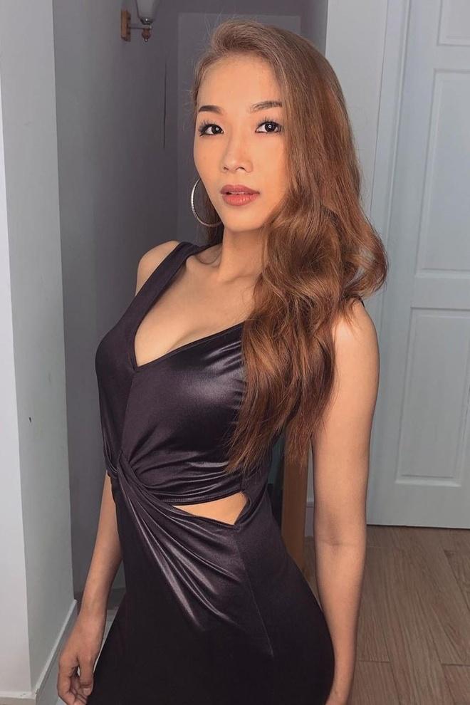 A hau Hoang Thuy chia se hinh em gai xinh dep, goi cam khong kem chi hinh anh 3