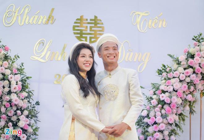 Bui Tien Dung au yem goi Khanh Linh la vo sau le an hoi hinh anh 1