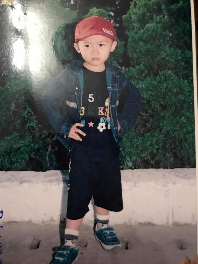 Tan binh U23 Viet Nam sinh nam 2000 duoc hoi chi em goi la 'cuc pham' hinh anh 6